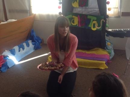La seño Maira, nutricionista practicante, preparó unas galletitas veganas de avena. Nada que envidiarle a los panqueques!